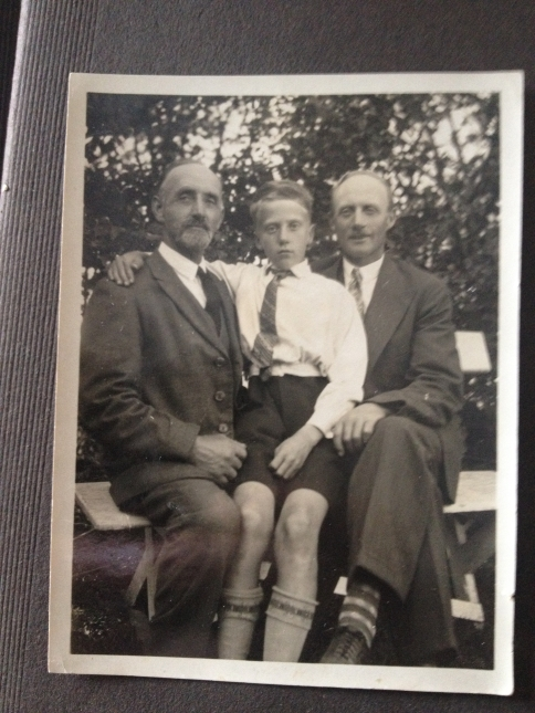 Arne with his dad and granddad